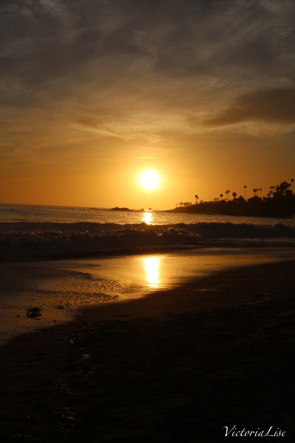 Victoria Lise Laguna Beach Sunset Reflecting On Ocean