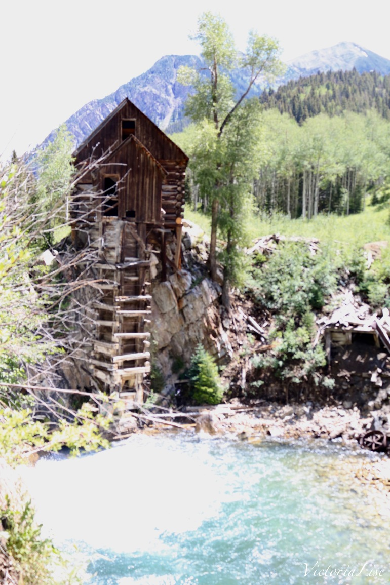 Colorado'd iconic Crystal Mill along the Crystal River