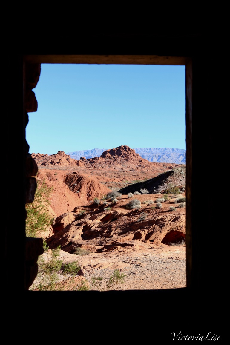 A window to the desert. Victoria Lise 2017