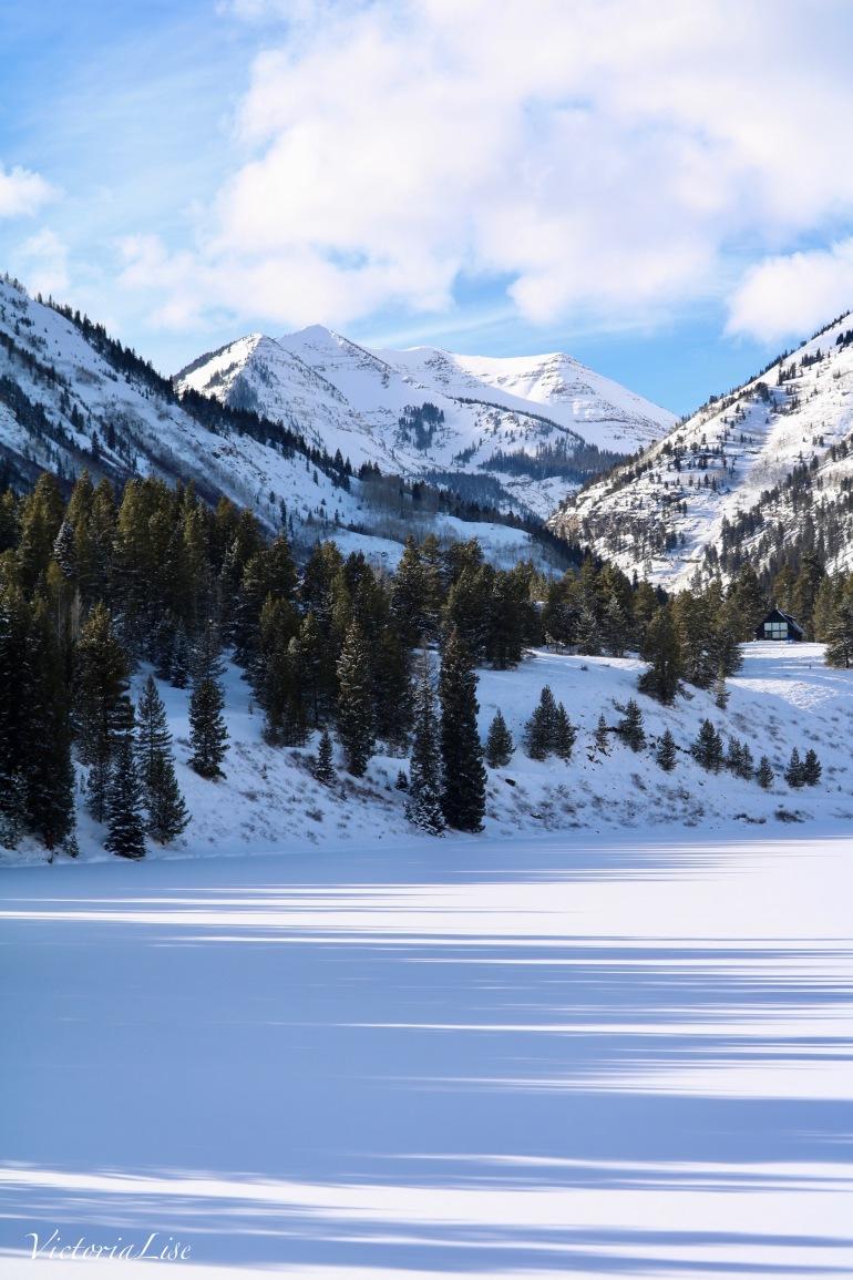 Fresh snow on an alpine lake. Victoria Lise 2017