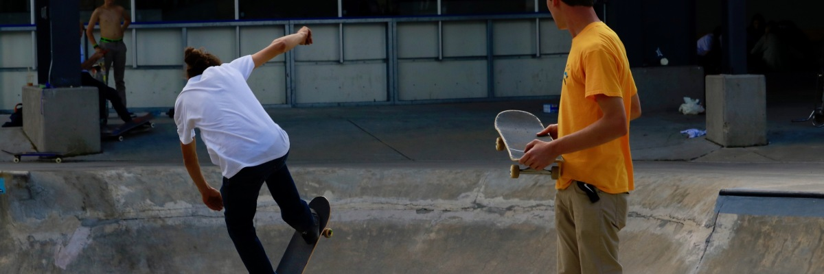 Gabe watching Alex transfer the spine. Skate Style. ©Victoria Lise 2017