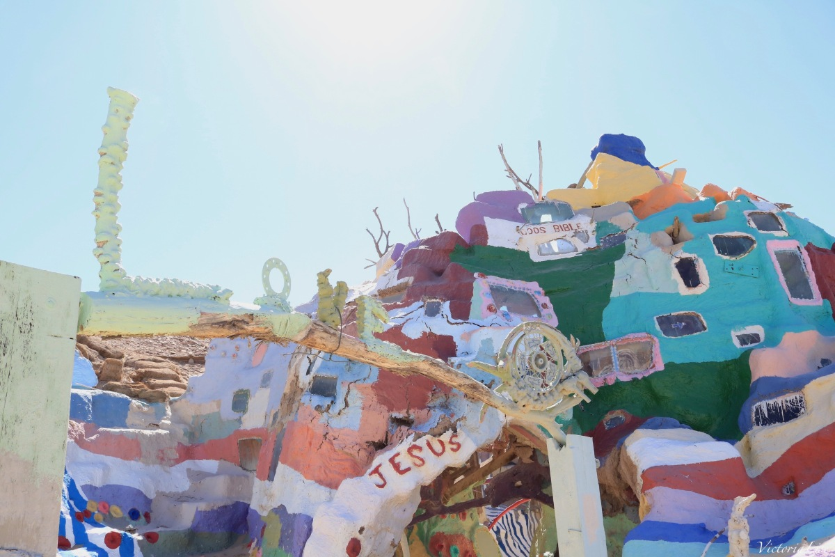 Painted adobe at Salvation Mountain. ©Victoria Lise 2018.