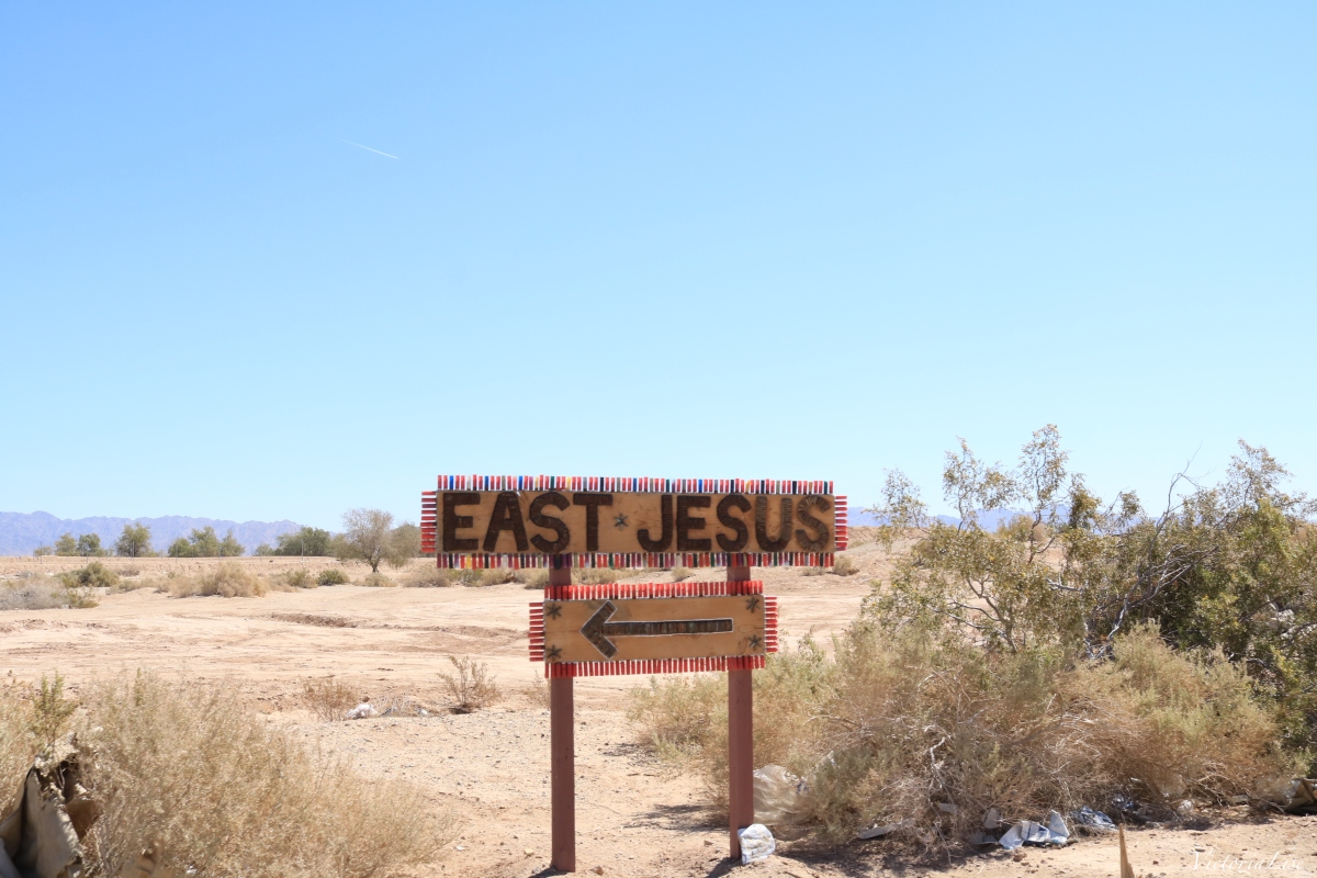 East Jesus Sign, California. ©Victoria Lise 2018.
