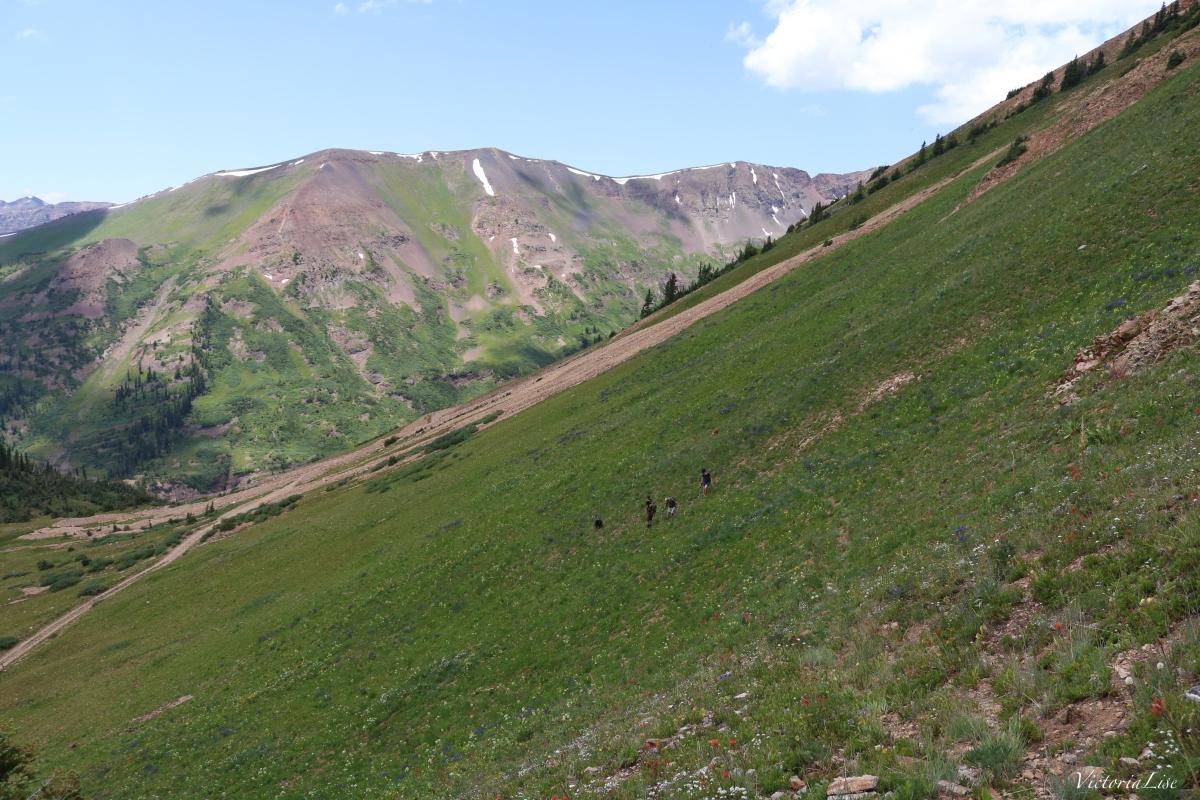 Hikers descending Cinnamon Mountain, Colorado. ©Victoria Lise 2018.