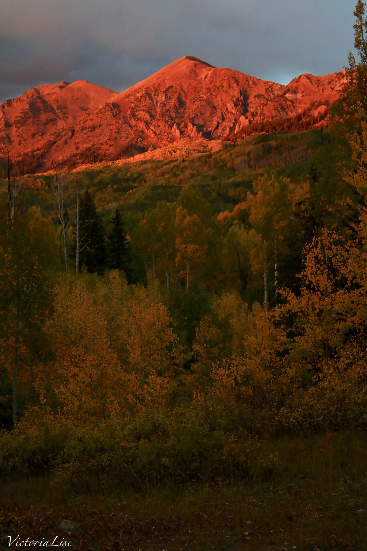 Autumnal Alpenglow caressing one of Colorado's peaks. ©Victoria Lise 2018.